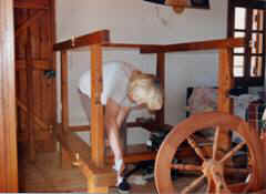 Crete. Weaving. Renovating loom.